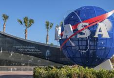 美国宇航局图书项目的Flat Earthers Stymie Facebook广告