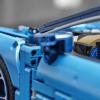 乐高技术布加迪·凯龙展示了3599件 包括可移动的发动机零件