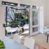 特伦特罗宾逊的房子以220万美元的价格出售